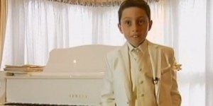Niño de 9 años es el músico más joven graduado en piano