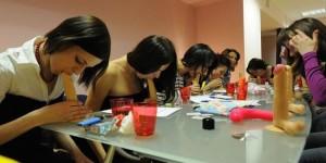 Escuela para practicar sexo oral en Rusia