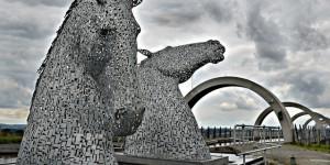 Gigantes esculturas de caballos: Los Kelpies en Escocia de Andy Scott