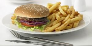 Las comidas que más rápido te hacen subir de peso y engordar