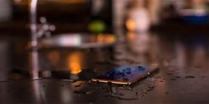 Guía práctica para recuperar un celular mojado